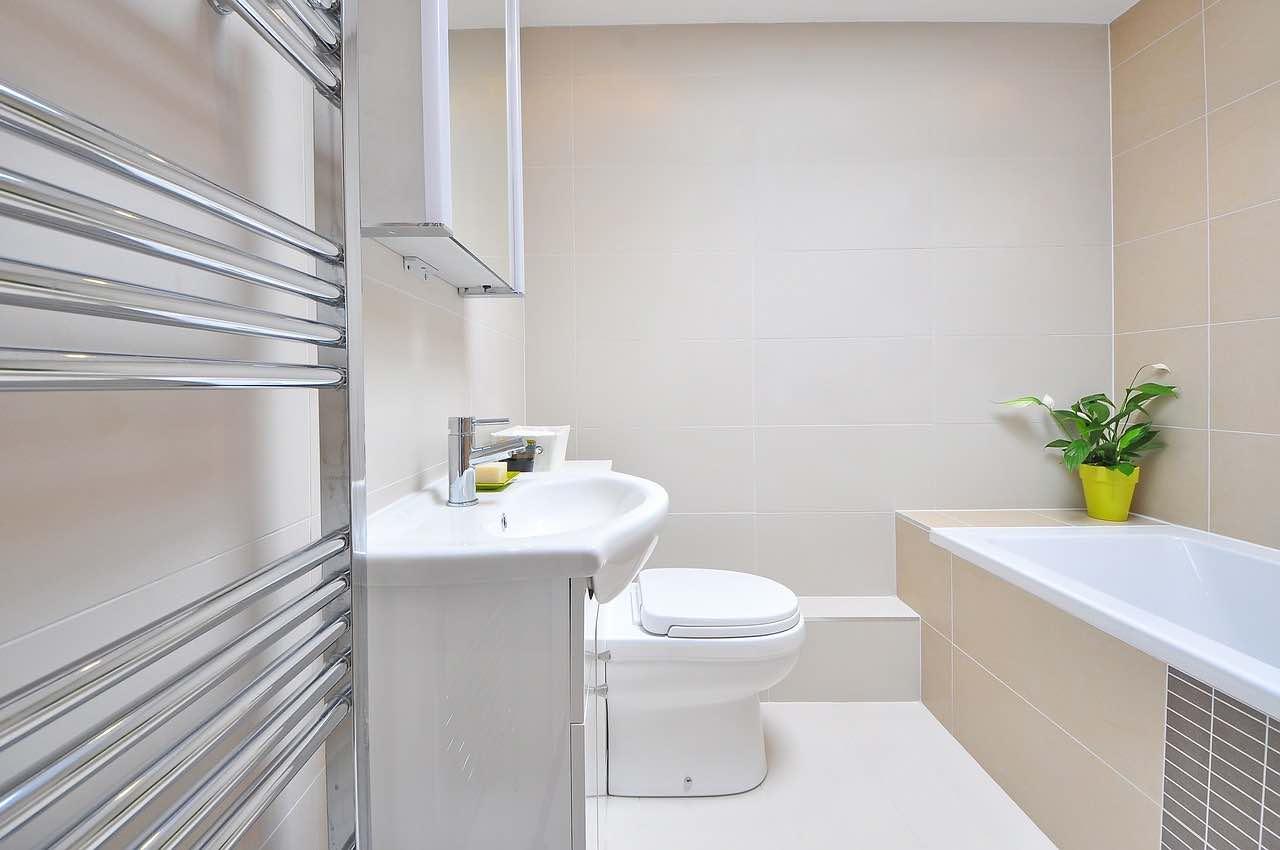 salle de bain moderne et pratique